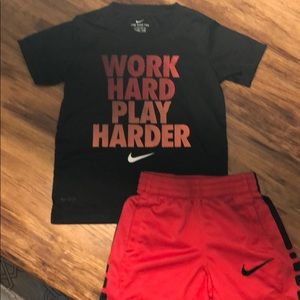 Boys S 4-5 Nike outfit